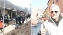 Norcia, consegnate le prime 18 casette per i terremotati: tra i presenti anche Roberto Baggio