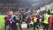 I giocatori del Napoli entrano in campo: fischi assordanti dello Juventus Stadium