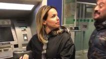 """Sonia Bruganelli: """"Che ci faccio con 30 euro?"""" e scoppia la polemica"""