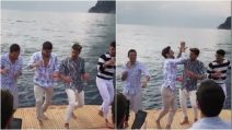 Fabio Colloricchio balla con Mariano di Vaio e Marco Ferrero: scatenati in barca a Capri