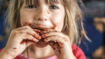 Oggi è la giornata mondiale del cioccolato. Ecco 7 motivi per mangiarlo senza sensi di colpa