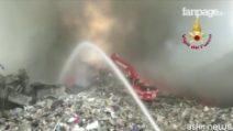 Incendio Pomezia, ora si teme emergenza amianto e diossine