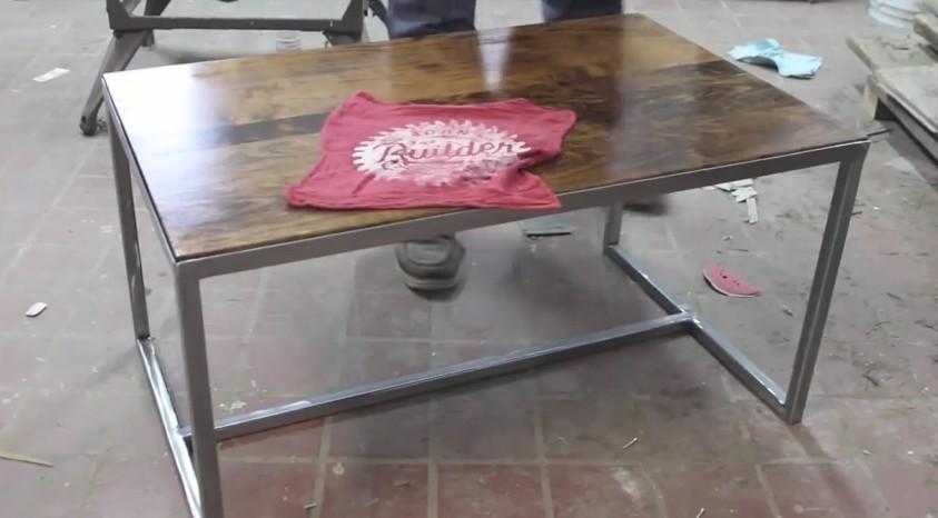 Come realizzare un bellissimo tavolino in ferro e legno fai da te