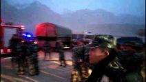 Cina, sisma di magnitudo 5,4 nello Xinjiang: i video amatoriali