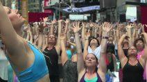 Giornata mondiale yoga, in migliaia a Times square