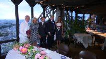 La cena sulla Tour Eiffel di Trump e Macron