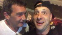 """""""Tutti scienziati"""": Clementino duetta con Antonio Banderas"""