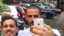 Milan, sorrisi e selfie per Bonucci dopo le visite mediche