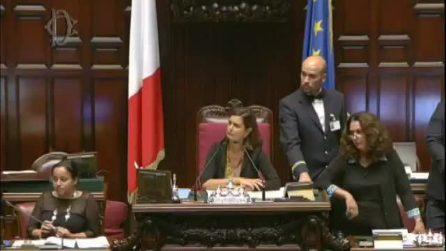 Lite Di Battista - Boldrini alla Camera: il grillino espulso dall'Aula