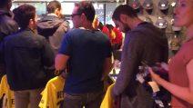 Neymar sceglia la numero 10, tifosi del PSG prendono d'assalto il negozio per comprare la maglia