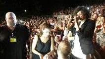 Proposta di matrimonio durante il concerto di Ermal Meta a Pescara