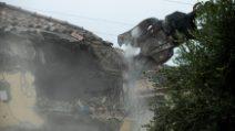 Roma, abbattuta l'ultima villa dei Casamonica: soddisfazione della sindaca Raggi