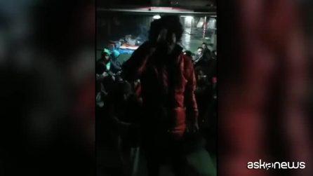 Libia, oltre 70 migranti si rifiutano di sbarcare a Misurata