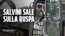 Roma, demolita una villa dei Casamonica: Salvini sale sulla ruspa