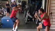 Psg, Dani Alves vs Lucas Moura: l'allenamento diventa un incontro di lotta
