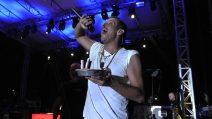 """Francesco Gabbani a Napoli: festeggia i suoi 35 anni e canta """"O surdato 'nnammurato"""""""
