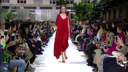 Moda Parigi, le dee di Valentino sfilano in passerella