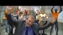 Bancarius Karma, altro video motivazionale di una banca: si canta sulle note di Occidentali's Karma