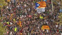 Barcellona in festa dopo la dichiarazione d'indipendenza