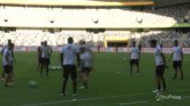Milan-Juventus, luci a San Siro nell'anticipo di campionato