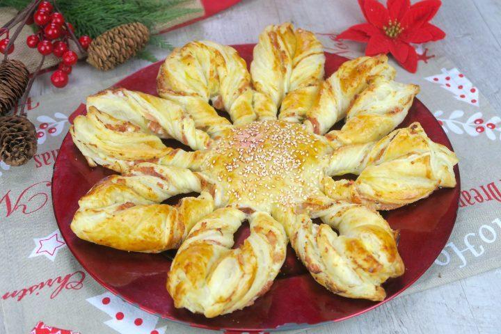 Torta Salata Stella Di Natale.Fiocco Di Neve Come Creare Qualcosa Di Originale Per Natale Con La Pasta Sfoglia