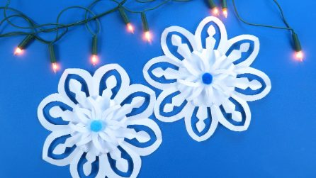 Come realizzare un fiocco di neve con un foglio di carta