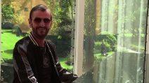 Ringo Starr insignito dalla Regina Elisabetta col titolo di Sir
