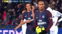 I tifosi del PSG fischiano Neymar: il brasiliano tira il rigore e nega la gioia a Cavani