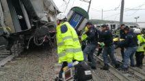 Treno deragliato a Milano: le operazioni di soccorso