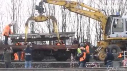"""Treno deragliato a Pioltello, prelevato il binario nel """"punto zero"""""""