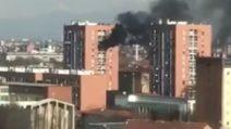 Milano, incendio in un appartamento: evacuato intero palazzo