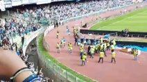 Napoli-Torino, la curva B a fine gara accoglie così i calciatori azzurri