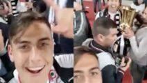 Juve-Milan: i festeggiamenti di Dybala per la vittoria della Coppa Italia