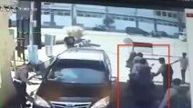 Indonesia, motociclisti si fanno esplodere: nuovo attacco kamikaze