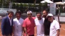 Bonolis e Fiorello si sfidano sul campo da tennis