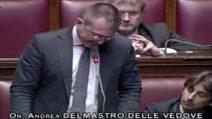 """Il presidente della Camera Fico rimprovera un parlamentare di FdI: """"I migranti non fanno la pacchia"""""""
