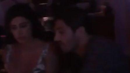 Belen Rodriguez e Andrea Iannone in un locale a Ibiza