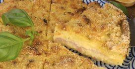 Sbriciolata di patate e zucchine: calda, morbida e filante!