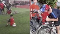 Maradona realizza il sogno del bimbo senza gambe: una scena stupenda