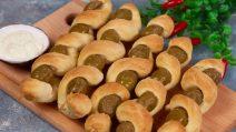 Espetinho de pão e azeitonas: petisco delicioso para um aperitivo cheio de sabor!