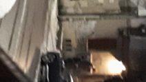 Milano, in tre rubano la targa per Peppino Impastato, ma un passante riprende tutto