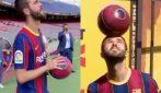 La presentazione di Pjanic a Barcellona: indossa la maglia con il numero scelto