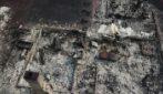 Lo scenario apocalittico dal drone dopo l'incendio di Almeda