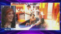 Grande Fratello VIP - Le sexy docce di Patrizia De Blanck