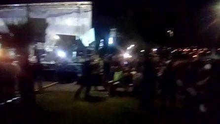 Soverato, Salvini sul palco, un uomo stacca l'elettricità