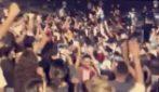 Francia, maxi assembramento durante la festa studentesca:: niente mascherine e nessun distanziamento