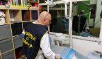 Napoli, scoperto falso dentista abusivo: stava visitando una paziente
