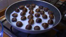 Castagne cotte il padella: il metodo per averle perfette