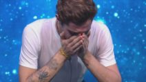 """GF Vip, Tommaso Zorzi riceve una telefonata dalla madre: """"Sei amato, non sei solo"""""""