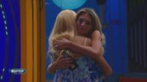 GF Vip, Maria Teresa e Guenda si abbracciano tra le lacrime
